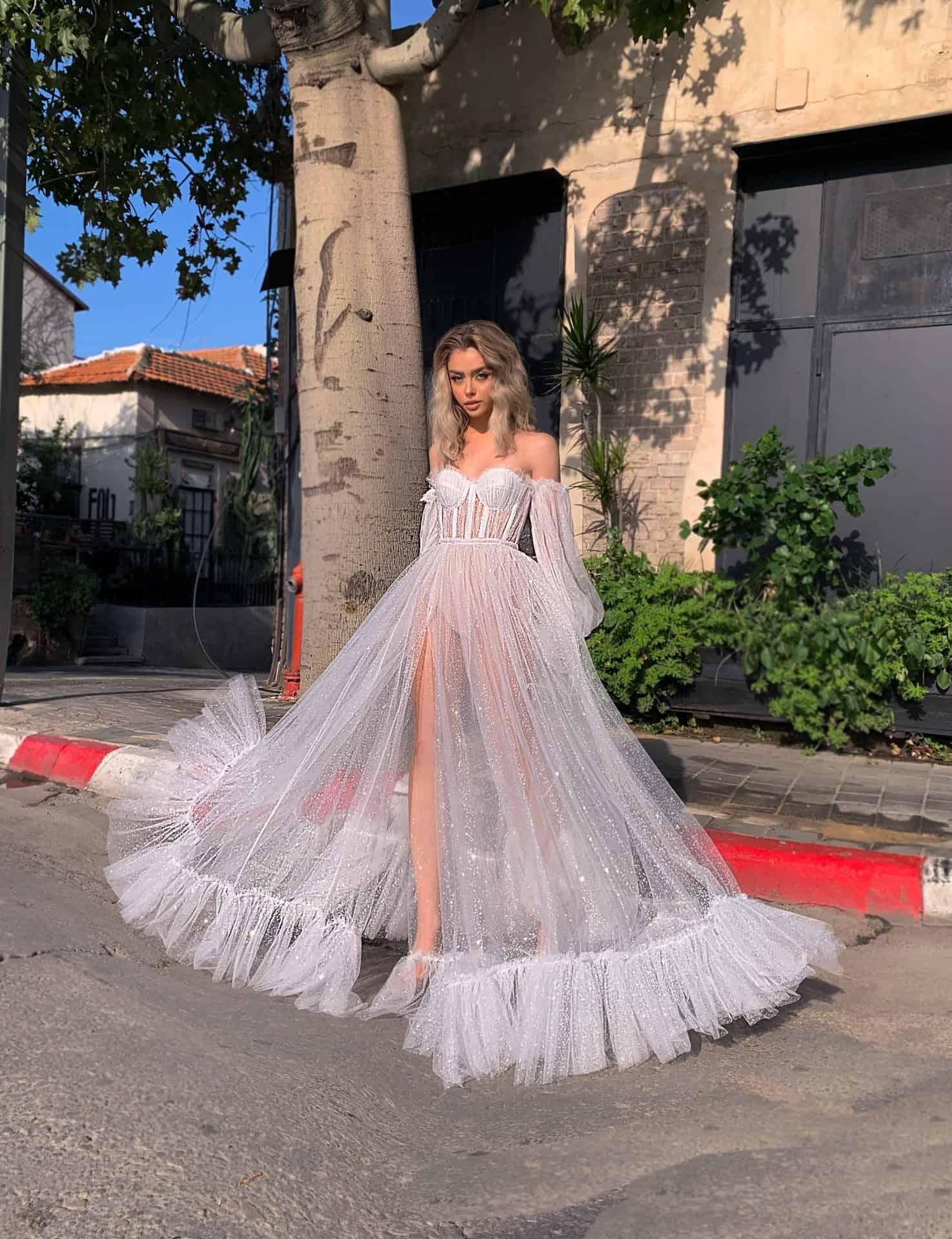 שמלות כלה ברחוב