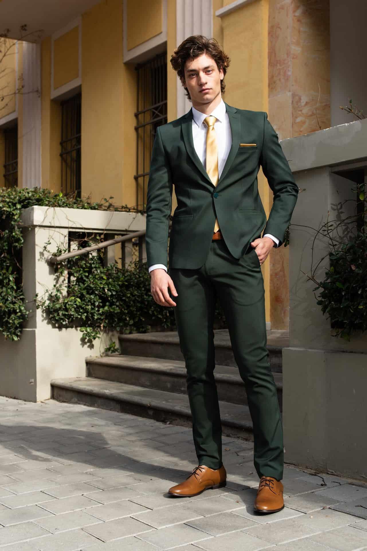 חליפות חתן עניבה צהובה
