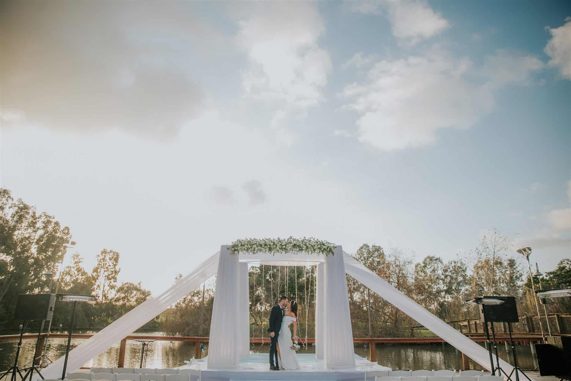 צילומי חופה חתונת בזק