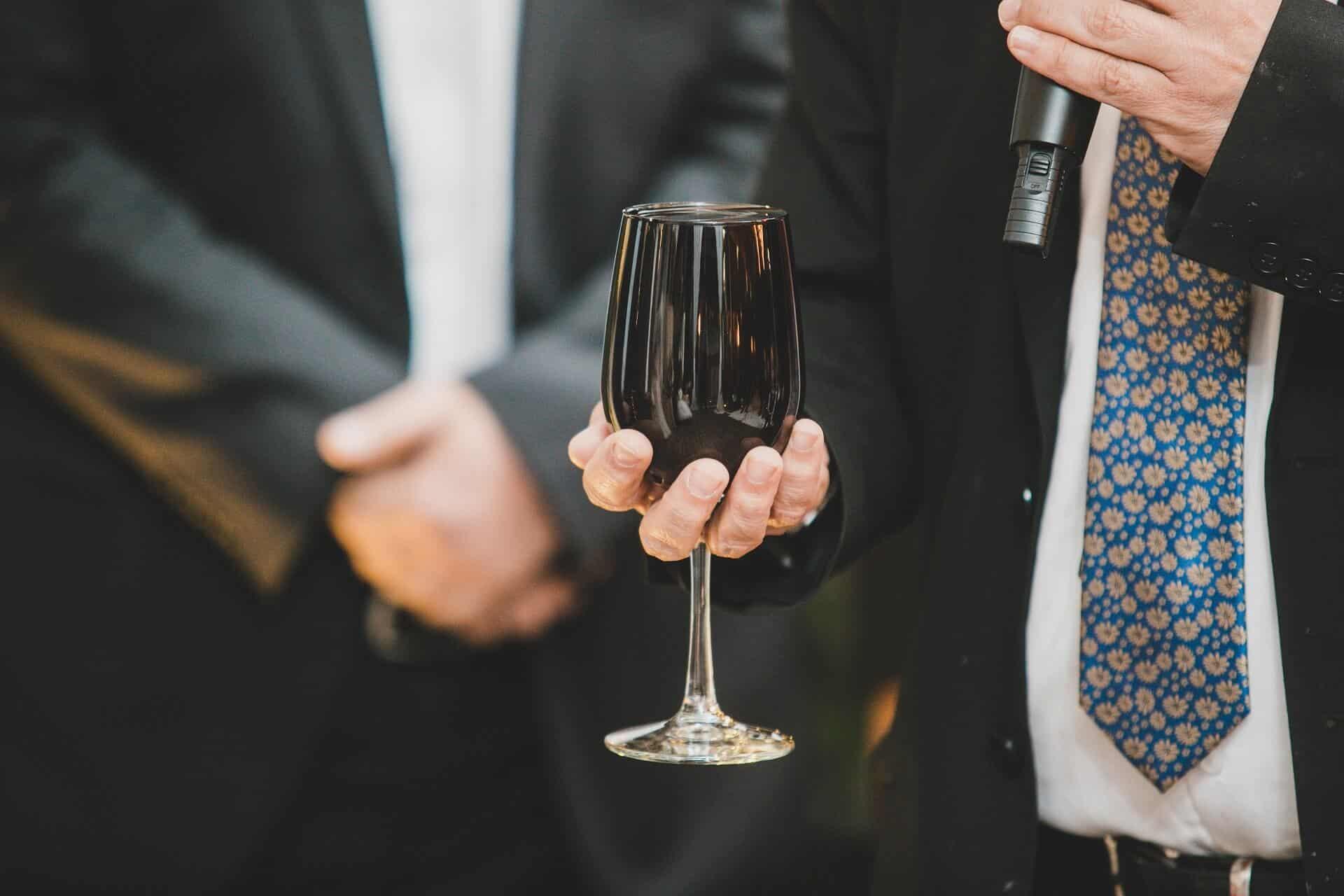 מחפשים רב לחתונה?
